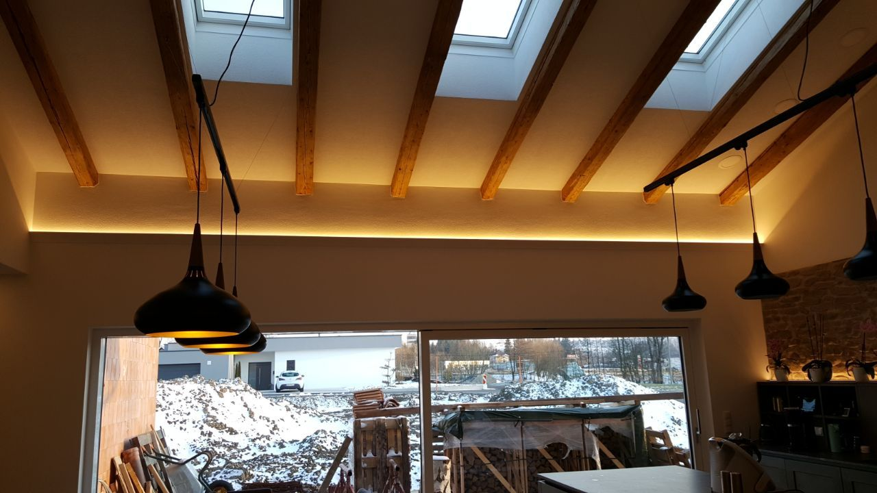 Tolle Beleuchtung Mit Indirektem Licht Durch Led Strips Beleuchtung Led Stripes Dachstuhl