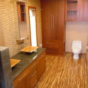 Attirant Bamboo Flooring On Bathroom Wall