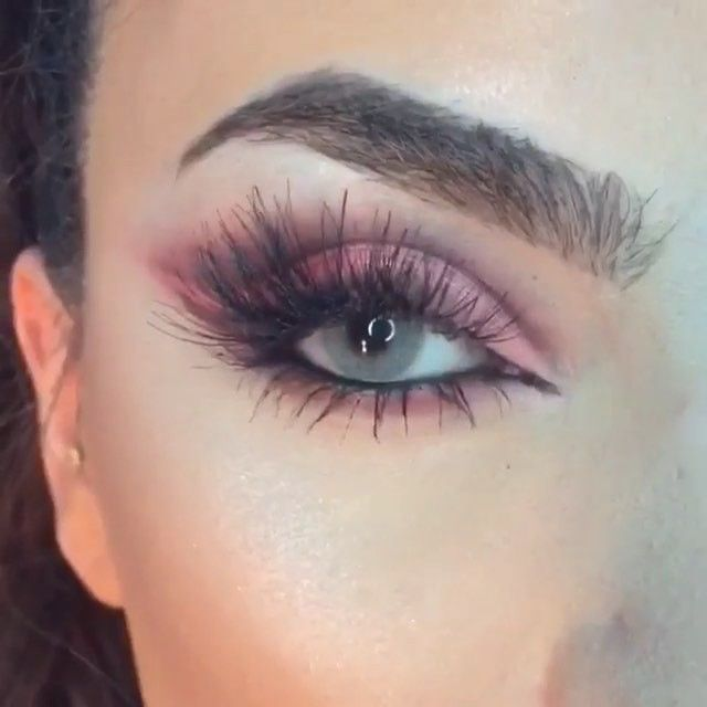 ✔️Lashes for days @beautybyella
