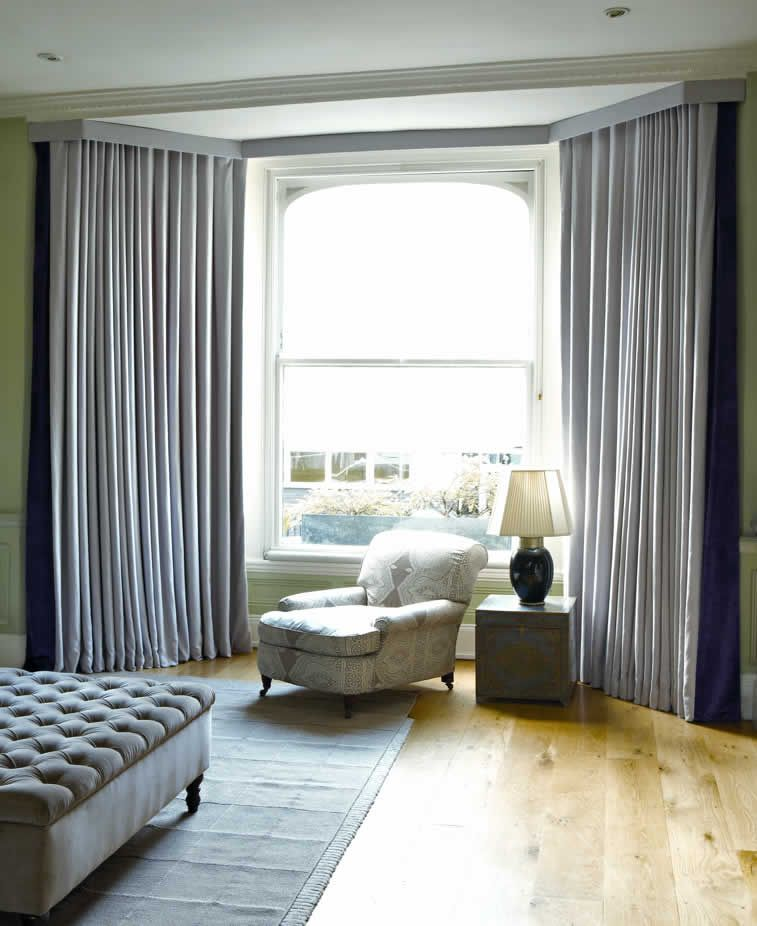 Curtains and Blinds for Bay Windows Dressing