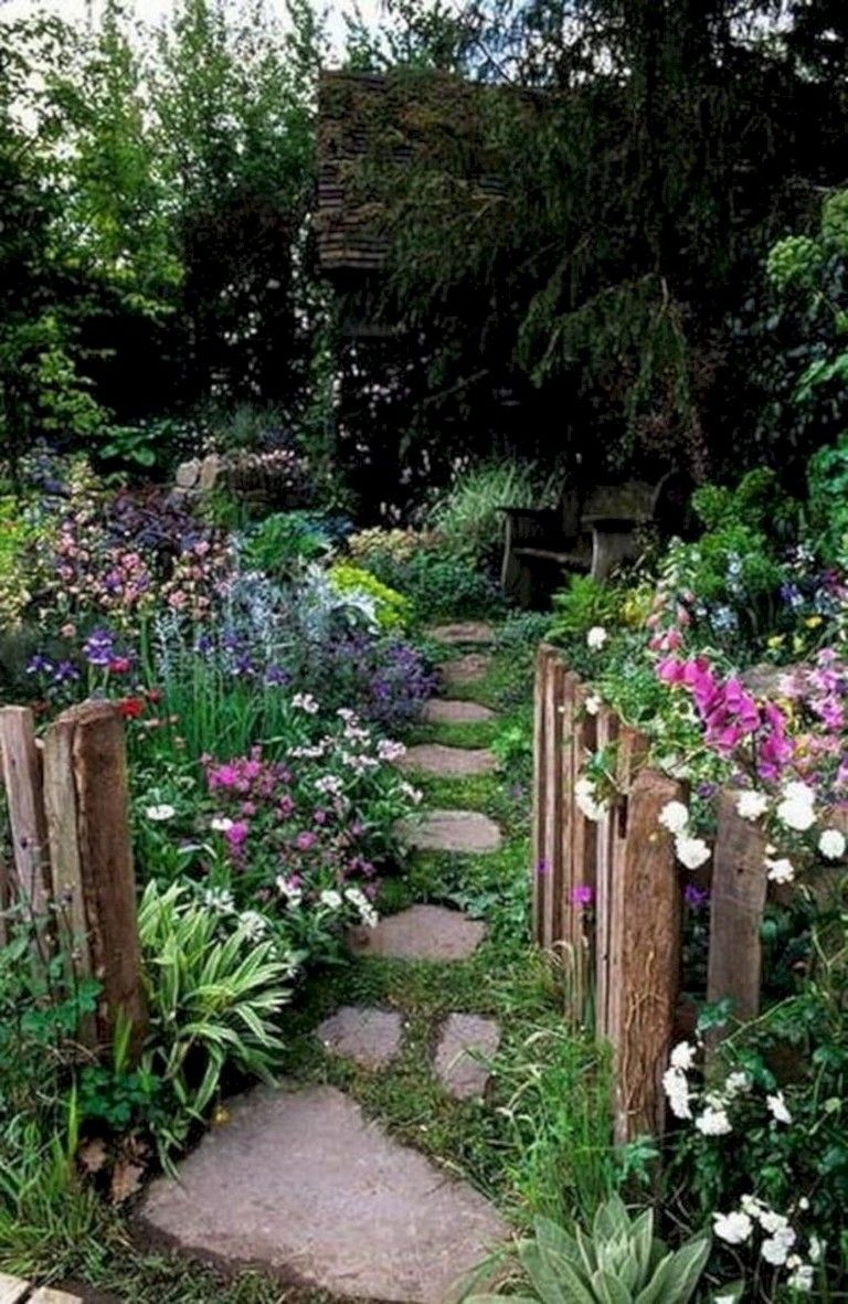 45 Exquisite Natural Garden Paths For Your Backyard 400 x 300