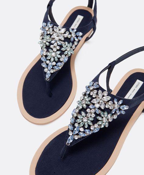ce4adfa1c8310 ... nueva colección Footwear primavera verano 2015. Sandalia flores joya -  OYSHO