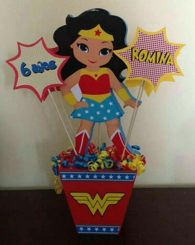 Centro De Mesa Mujer Maravilla Cumpleanos De La Mujer Maravilla Mujer Maravilla Fiesta Invitaciones Mujer Maravilla