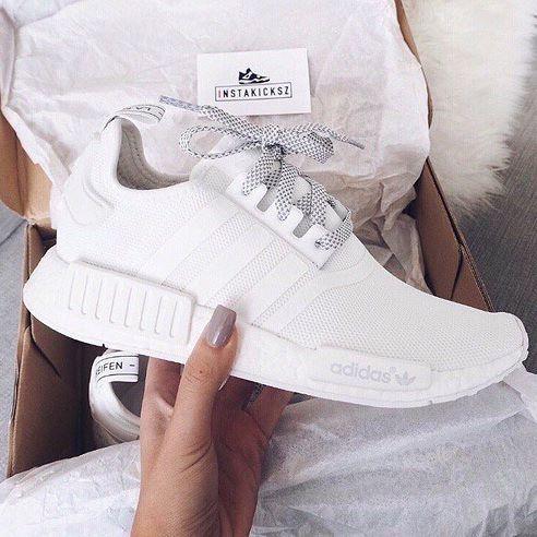 All White Flatlay Flatlays Flatlayapp Www Flat Lay Com Adidas Shoes Women Trending Shoes Sneakers Fashion