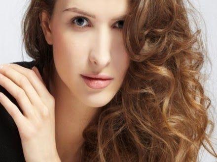 Como engrossar os cabelos com gelatina  Veja: http://www.aprendizdecabeleireira.com/2013/10/como-engrossar-os-cabelos-com-gelatina.html