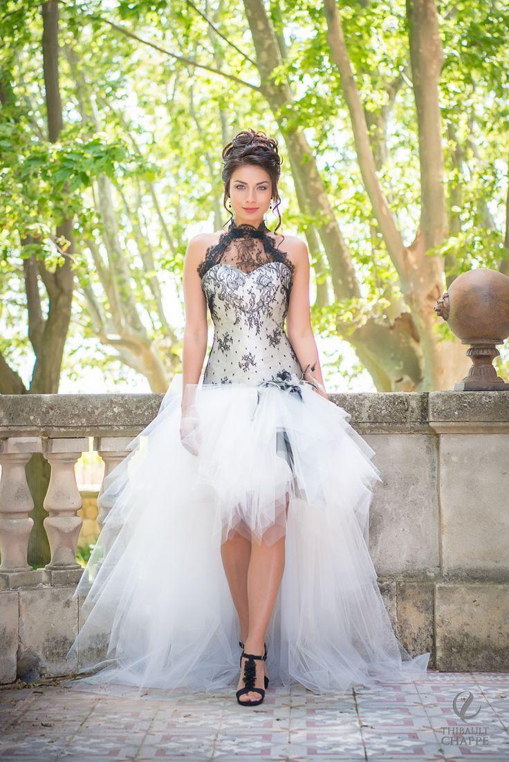 Short Wedding Dresses  Sexy, robe de mariée noire, courte devant. ,