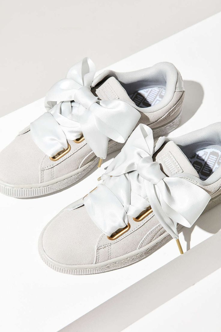 separation shoes a52c1 501c9 Tendance Chausseurs Femme 2017 Description Puma Suede Heart Satin Sneaker -  Urban Outfitters