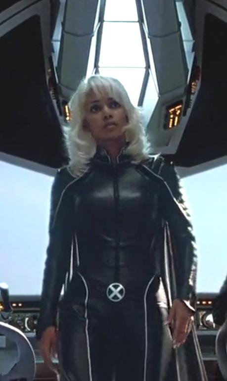 N°11 - Halle Berry as Ororo Munroe / Storm - X-Men 2 United by Bryan