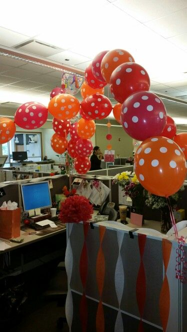 Cubicle decor birthday decor ideas for work pinterest for Creative cubicle decoration