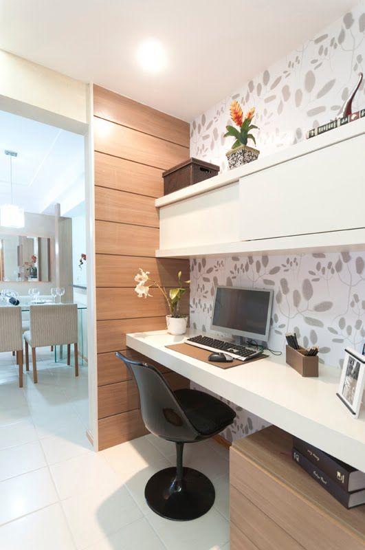 Pretty  minimalist home office Love the wallpaper Ideias para a