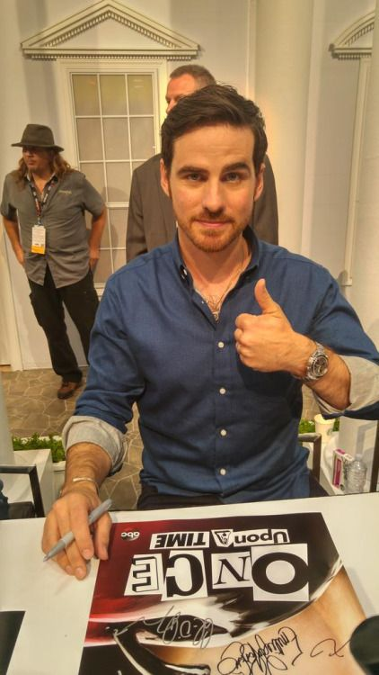 Captain Hook is in the house ladies! @colinodonoghue1 @OnceABC #OUATatSDCC #SDCC…