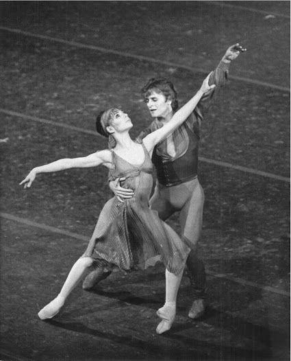 Gelsey Kirkland & Mikhail Baryshnikov in 'Other Dances' (choreography by Jerome Robbins)