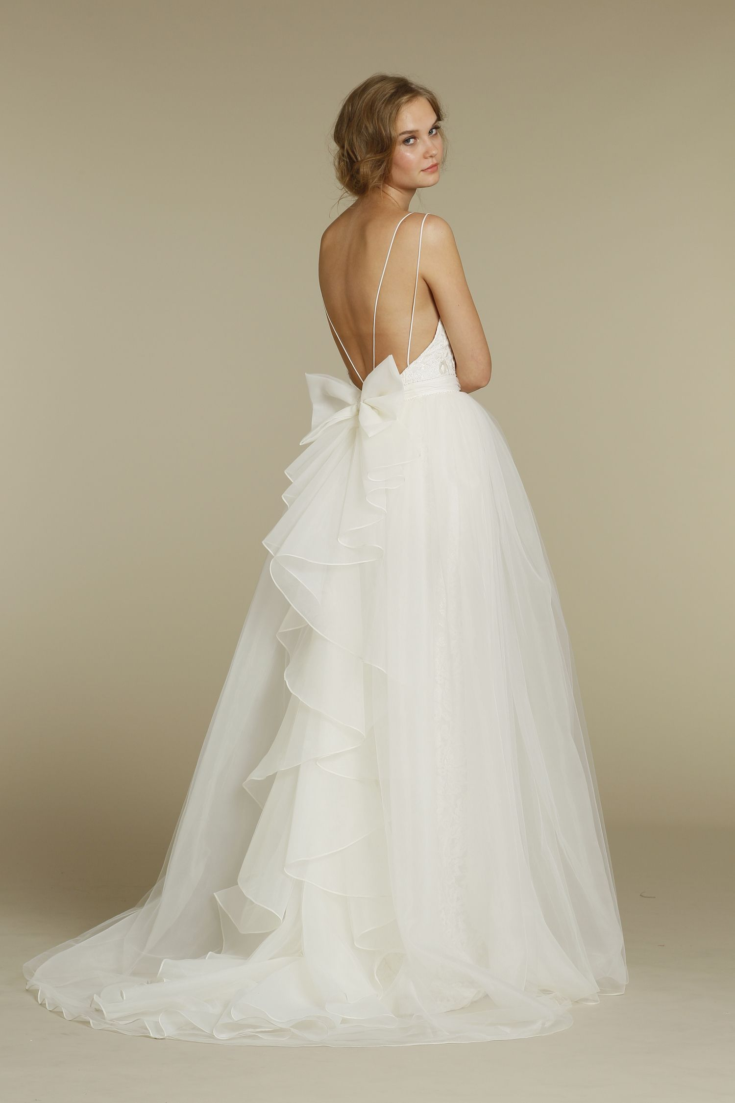 Wedding dress with bow on back  Perfect white dress  Beautiful Wedding and Bridal dresses