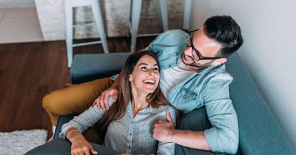 ariella ferrera - dating mom