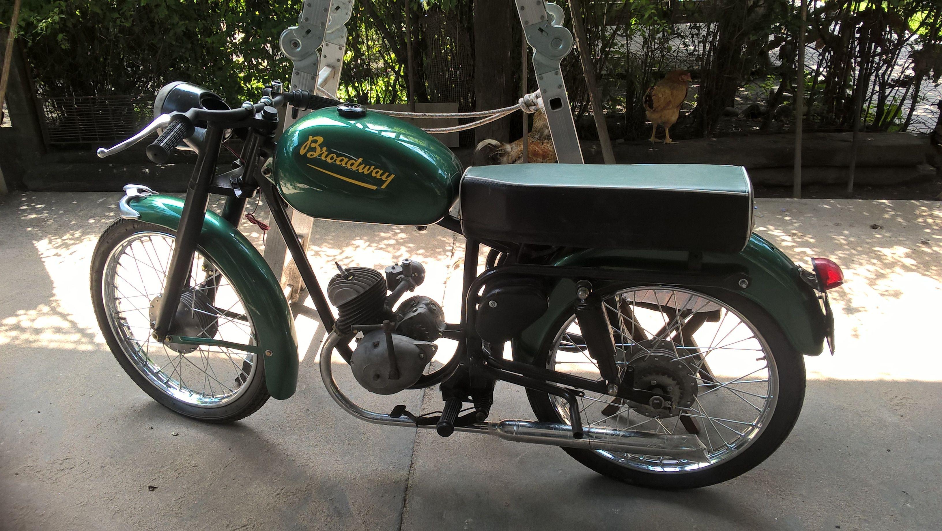 moto broadway original con asiento enterizo