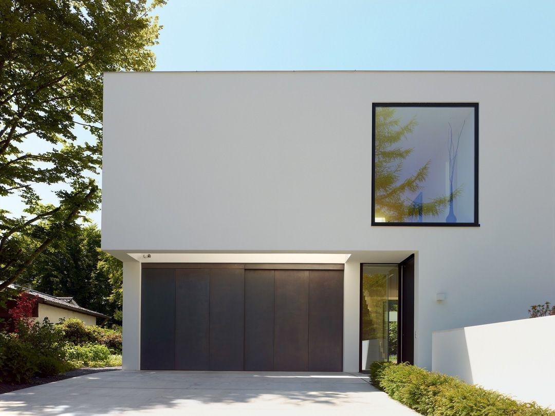Titus Bernhard Architekten Wohnhaus Garagentor beleuchtet | Arch ...