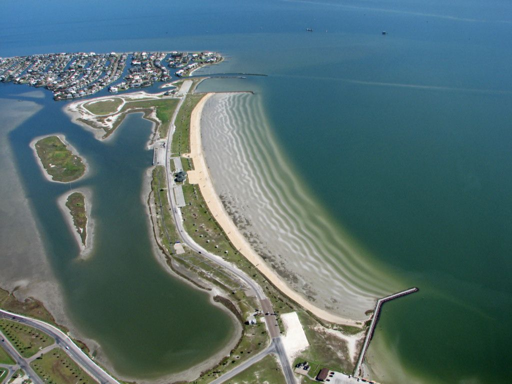 Rockport Beach Park, Rockport, TX  photo courtesy of http://texascoastgeology.com/misc/misc.html