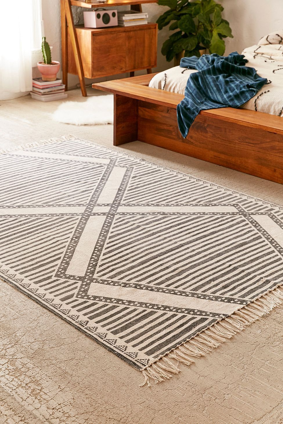 Shabby Küchendeko Urban Outfitters Delta Printed Rug Black 5x7 Products