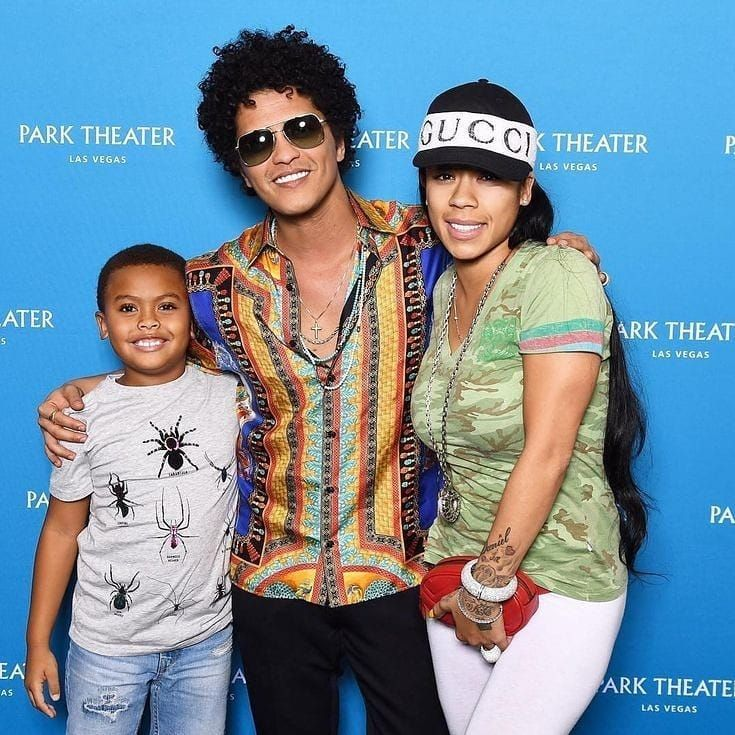 Pin by patricia f on bruno mars in 2018 pinterest bruno mars m4hsunfo