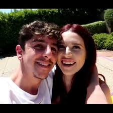 Faze Rug And Kaelyn Google Search In 2020 Rugs Couple Photos Photo
