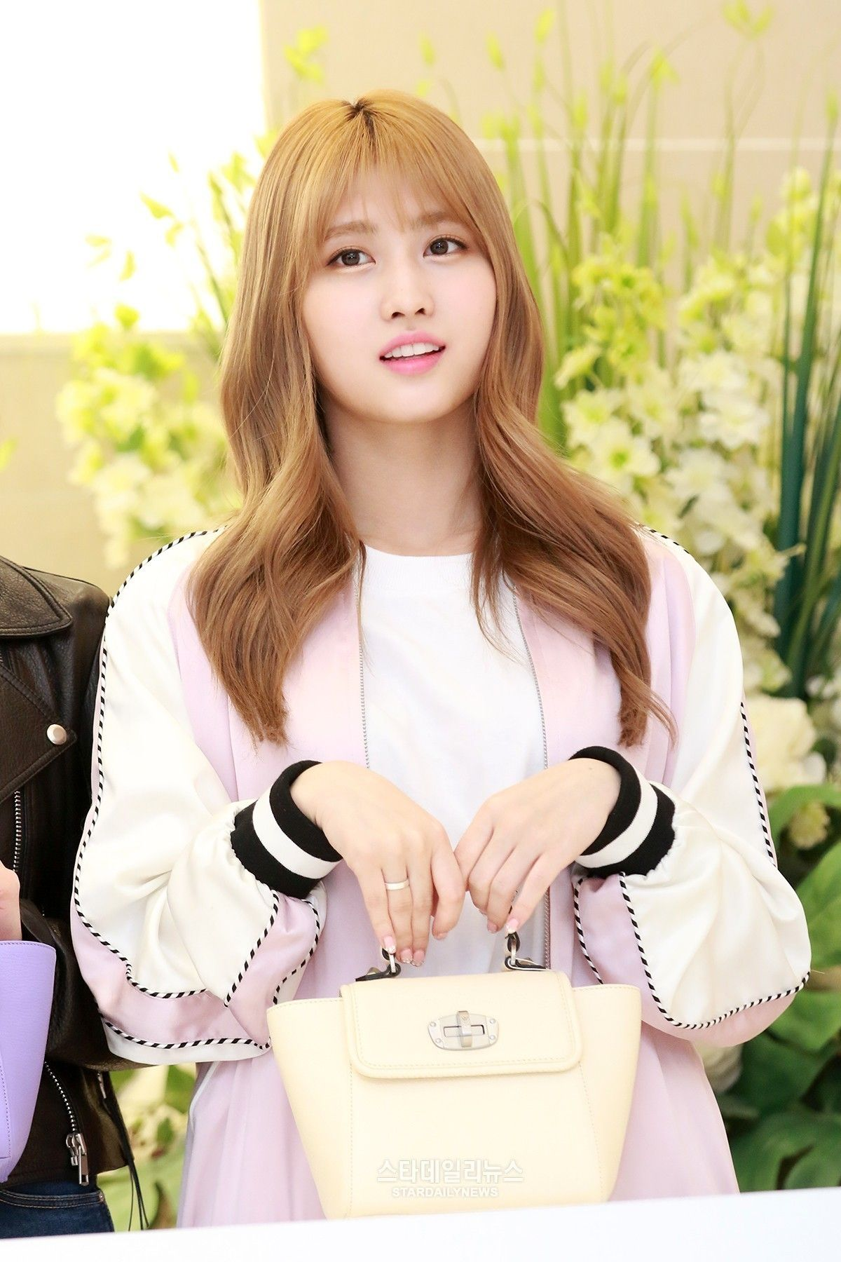 Pin by Naina Seven on TWICE | Hirai momo, Kpop, Kpop girl ...