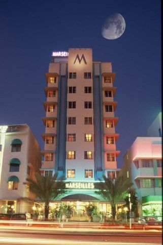 Dog Friendly Hotel In Miami Fl Marseilles Beachfront Hotel Miami