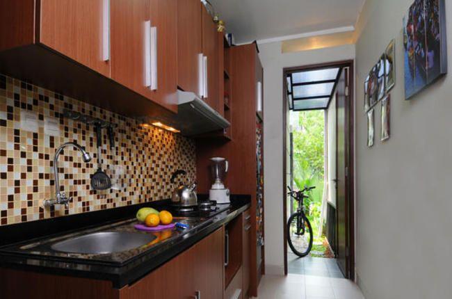Pintu Akses Ke Dapur