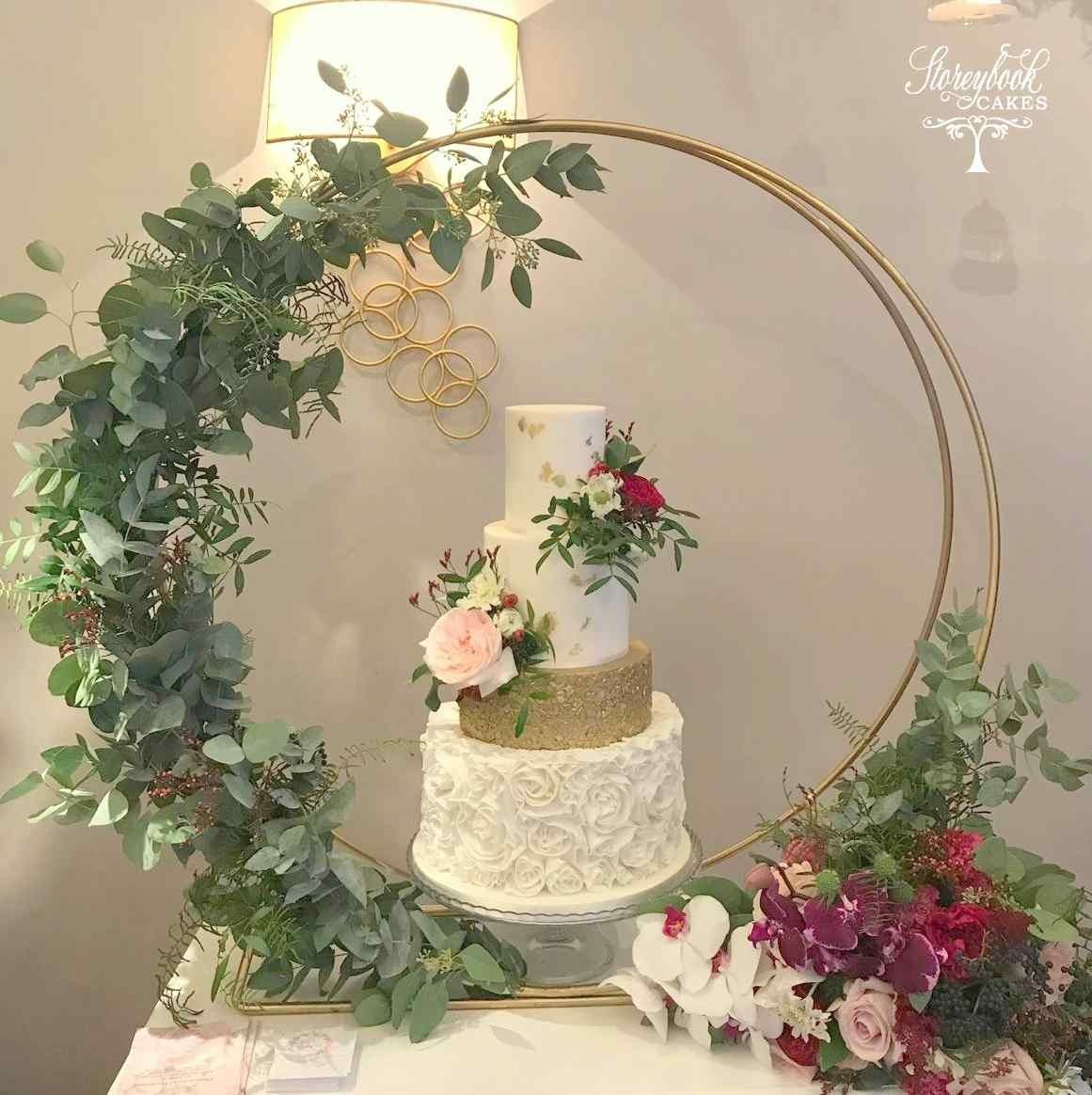 Wedding Cakes Wedding Cake Fresh: Wedding Cake Hoop, Wedding Cake Stand Inspiration, Floral