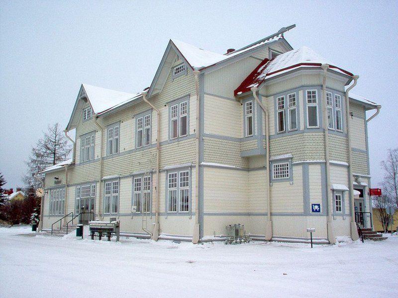 Kajaani railway station, 1904–1905. Asemarakennuksen on suunnitellut Gustaf Nyström.