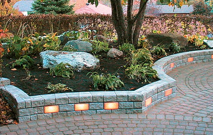Genial Retaining Wall Ideas   Bing Images LOVE The Lights In The Wall!