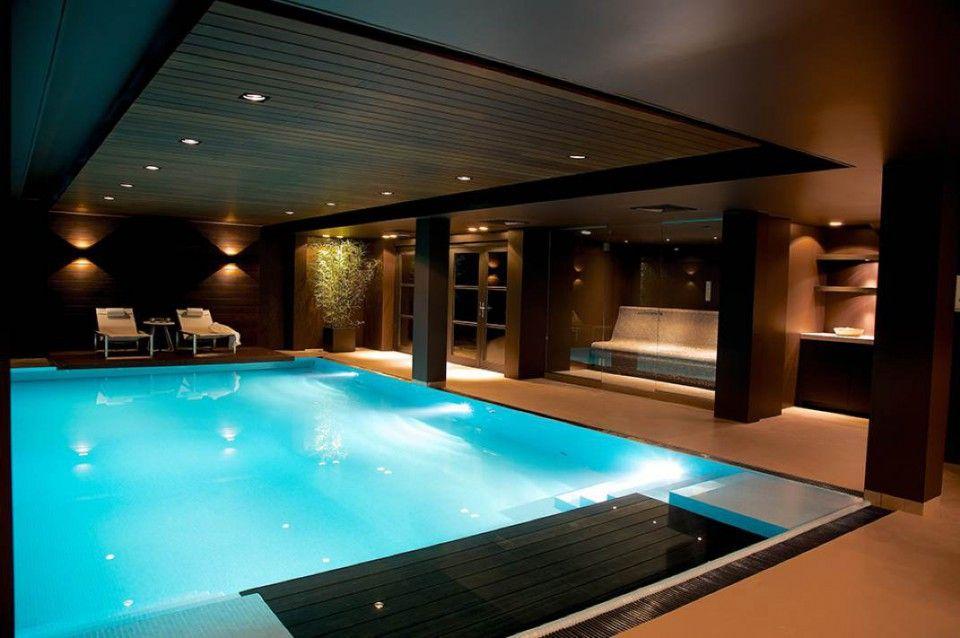Luxe binnen zwembad met gietvloer zwembad pinterest luxe huis ontwerpen en kelder - Huis design met zwembad ...