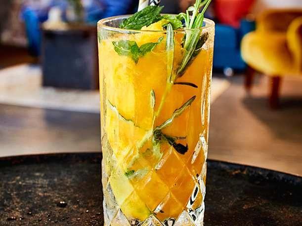 Geeister Mango-Gin mit Ginger Beer Rezept  | LECKER #gincocktailrecipes