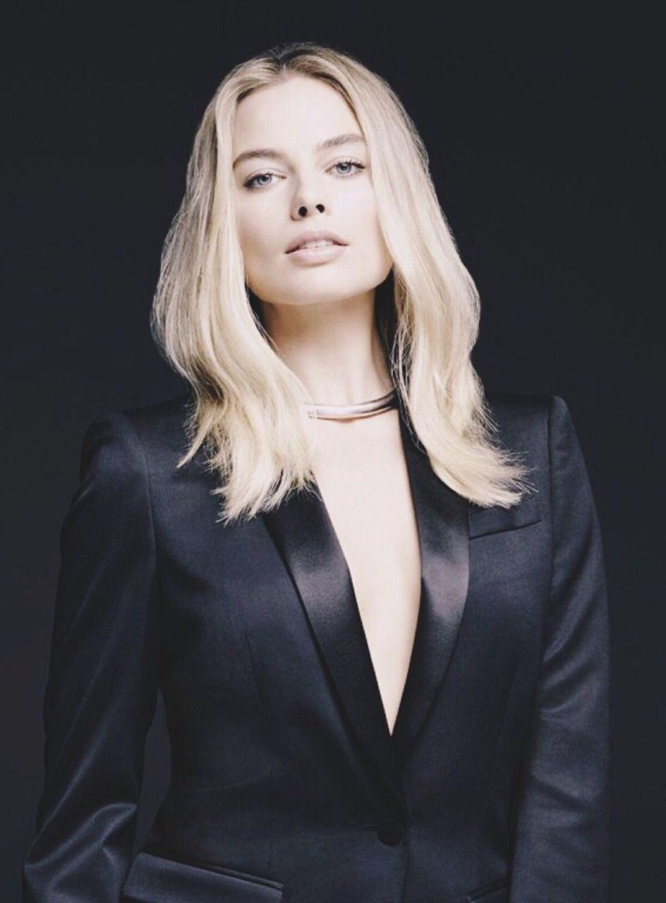 Margot Robbie photographed by Kurt Iswarienko (2016