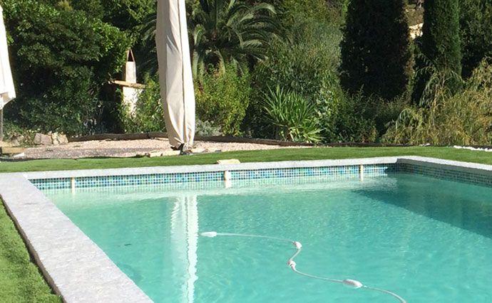 Quelle forme peut on faire avec une piscine en coque polyester ?