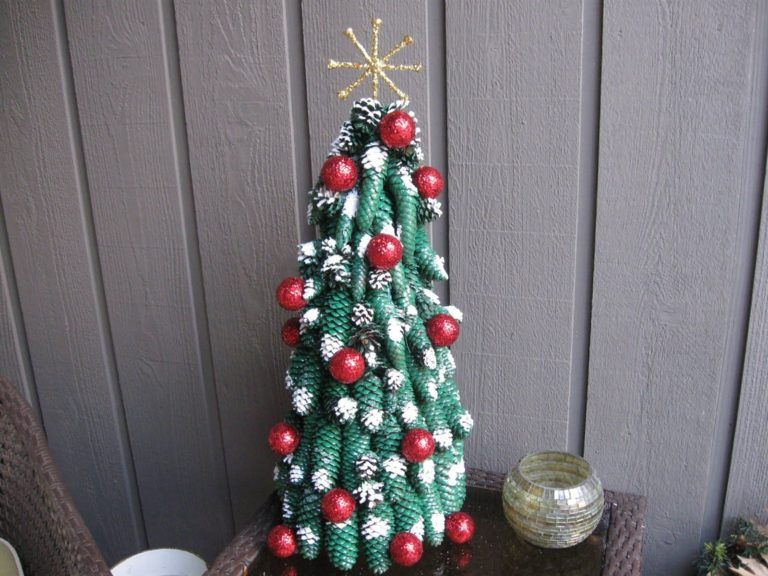 25 Creative And Unique Christmas Tree Ideas On A Budget Pinecone Crafts Christmas Pine Cone Ornaments Diy Pine Cone Crafts