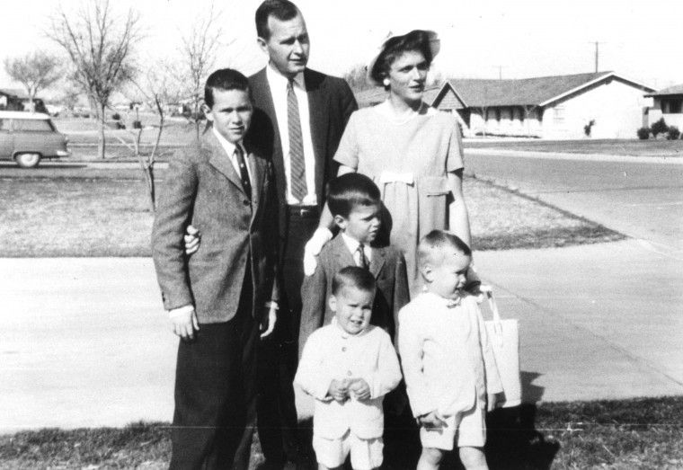 Young George H W And Barbara Bush With Their Young Family And One