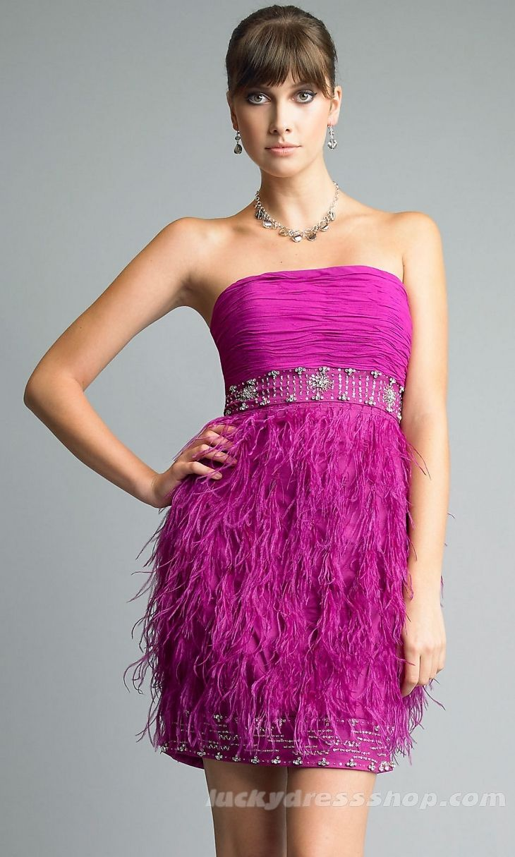 Sheath/Column Strapless Short/Mini Prom Dress With Feathers/Fur And ...