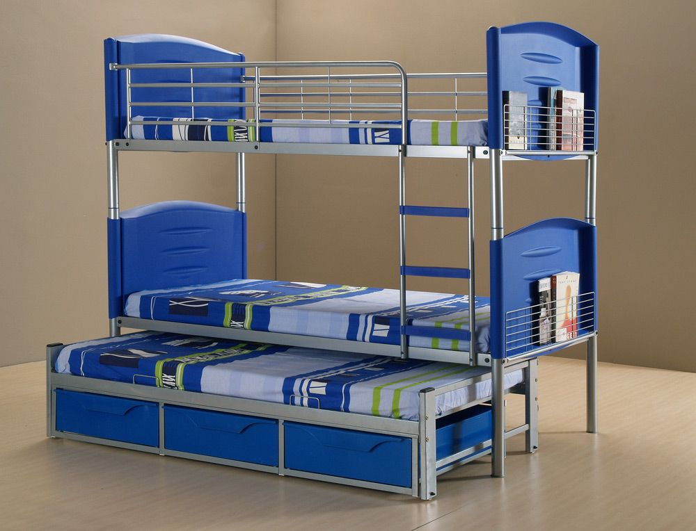 Conserving Space And Staying Trendy With Triple Bunk Beds Bunk