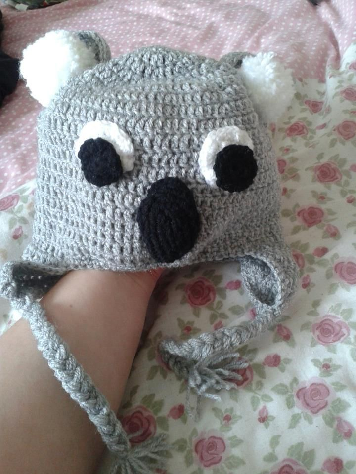 My daughter needed to dress up for Australia day at nursery... I went a bit overboard and made her an owl hat!