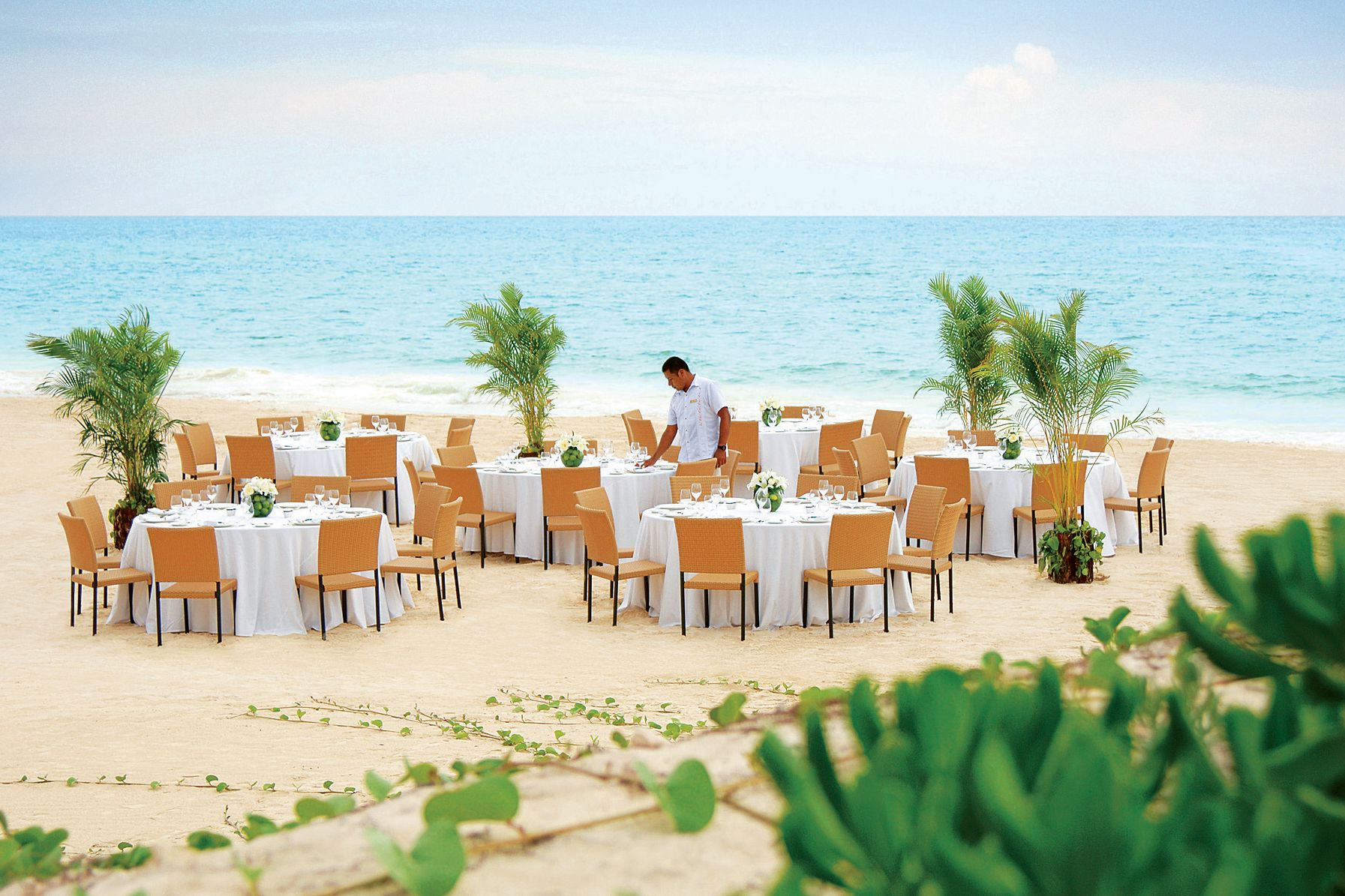 Beach wedding decoration ideas  Real Brides Spill Their Biggest Budget Mistakes  My wedding