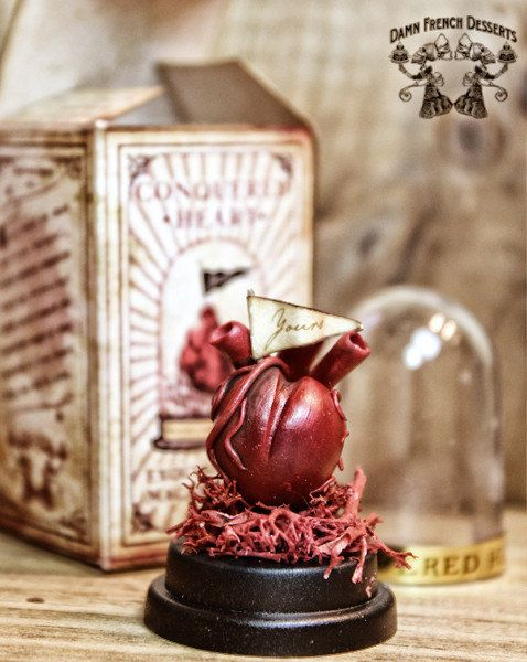 Heart in Bell Jar, Anatomical Human Heart in Glass Domes, Unusual