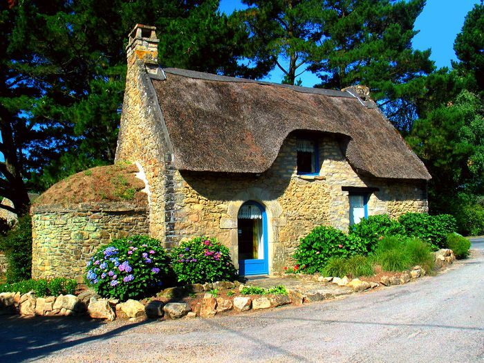 A beautiful old #cottage in French Brittany