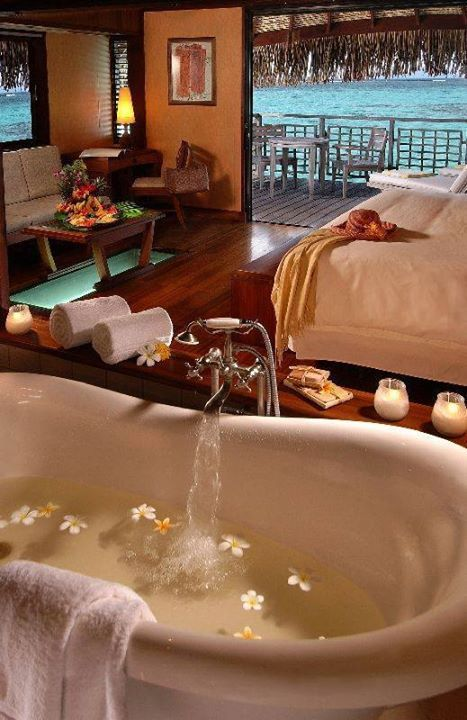 Large Deep Bath Tub Next To Giant Comfy Bed Heaven For Lots Of Hot Hard Raw With My Soulmate Ocean View