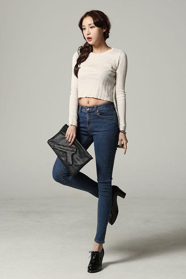 b6ce666772f Round Neck Slim Crop Top | Fashionista | Fashion, Asian Fashion ...