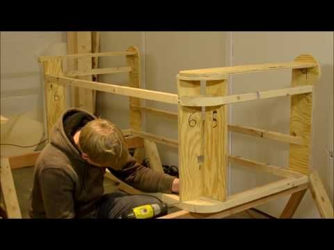 How To Make A Chesterfield Sofa Part 1 Frame Youtube Obivka Obivka Stula Chesterfild