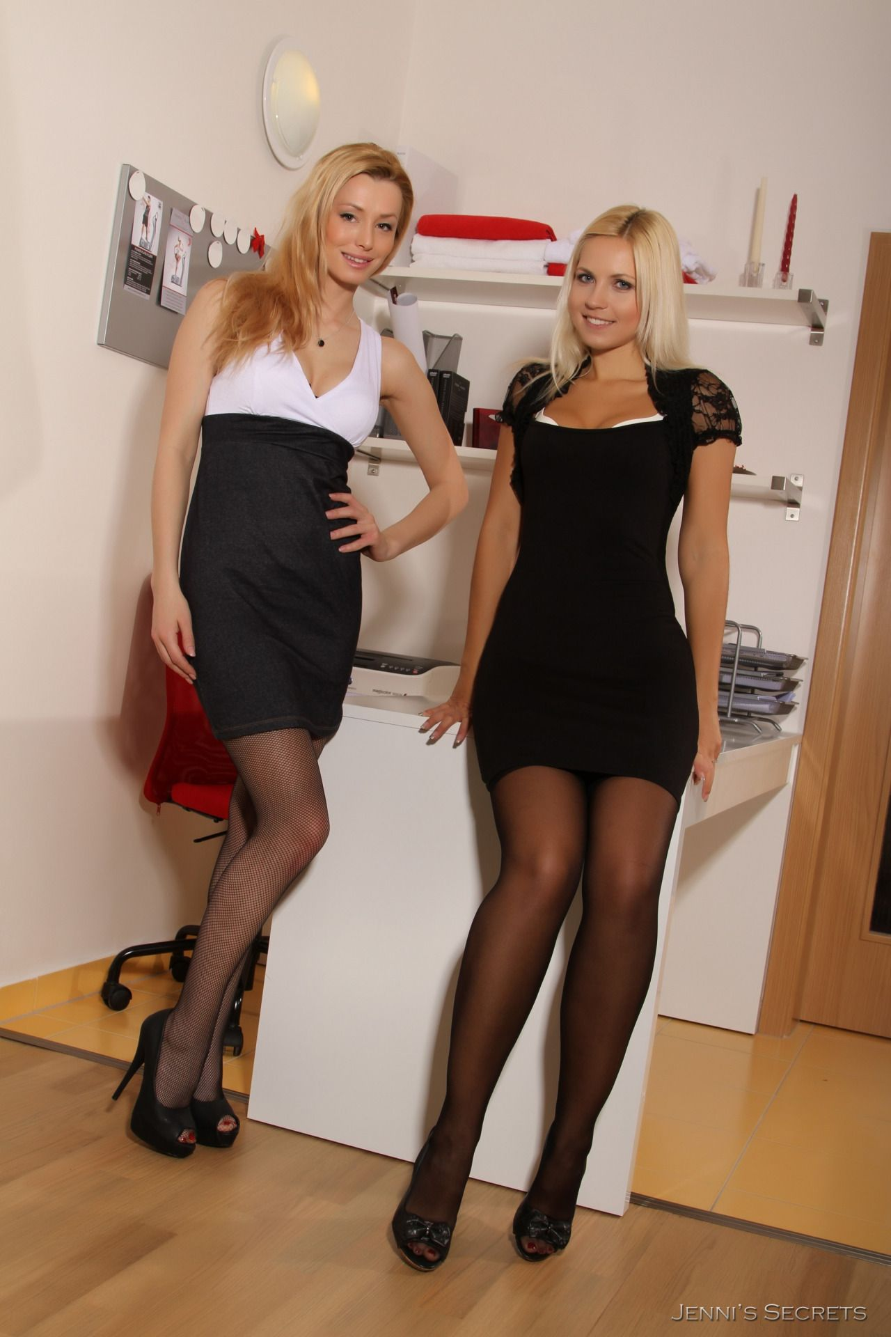 Office girls photo beautiful pinterest girl photos black tights and stockings - Office girls in stockings ...