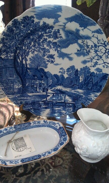 antique stores florence al Blue and white at Mary Box's antique mall booth in Florence  antique stores florence al