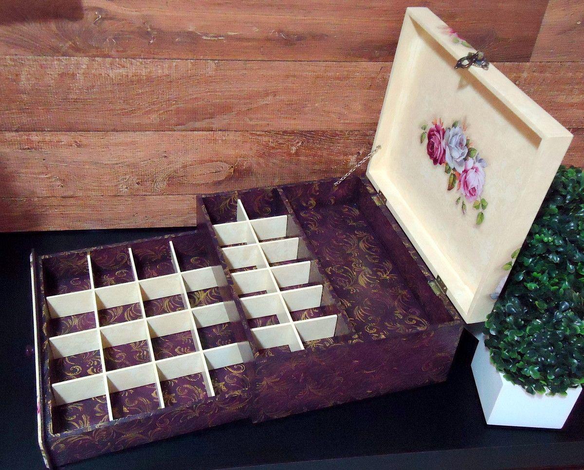 ---- Caixa de MDF com pintura e decoupagem.----  Fazemos em outras cores e modelos. Peças integrantes estão sujeitas à disponibilidade. Como é um produto artesanal, podem haver pequenas diferenças entre uma produção e outra.