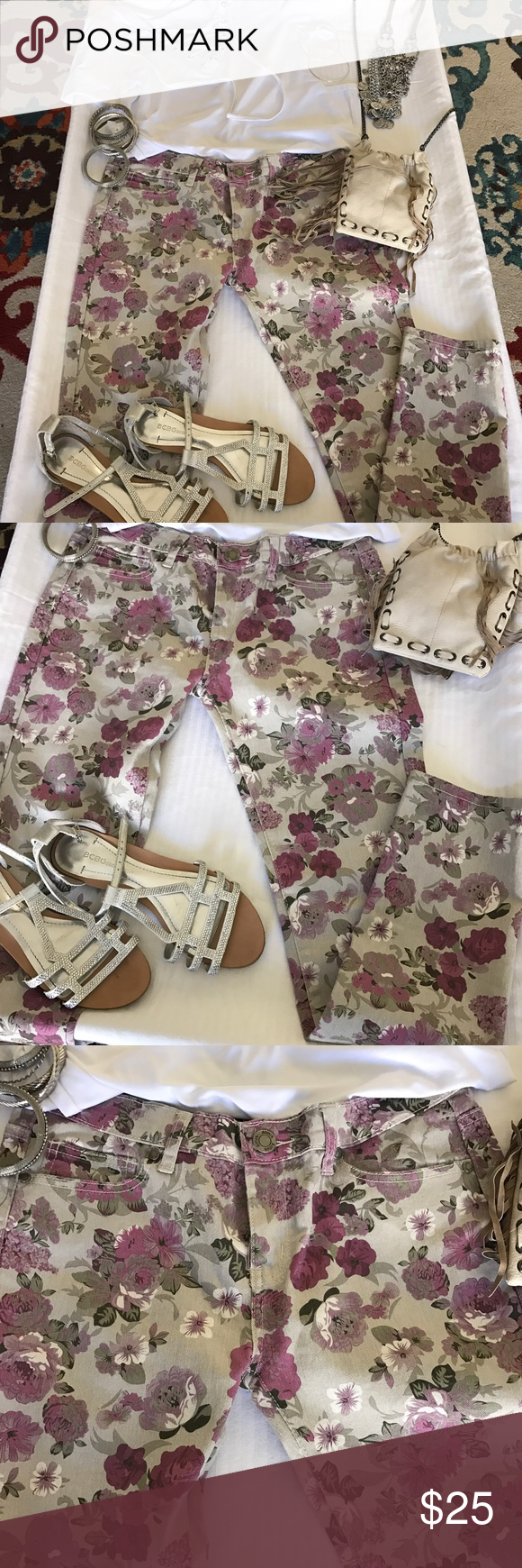 🌸🌺Skinny stretch floral pants 😎 🌸 Super cute floral skinny pants.... a great pair for spring. Beautiful unique color floral pattern. 💖❤️🌸 like new. Used only once . Aviva Pants Skinny