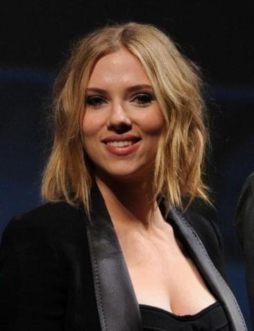 La nouvelle coupe de cheveux de Scarlett Johansson | cheveux ...